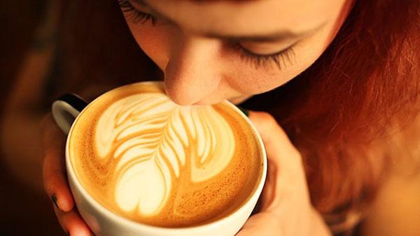 cafe-y-mamada